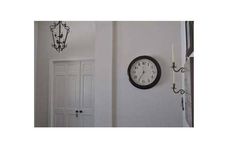 Wall Decoration According To Vastu : Where to hang wall clock according vastu